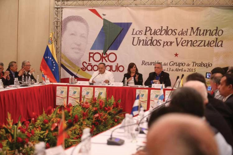 Members of the Forum of São Paulo (<em>Foro de São Paulo</em>) from Latin America and the Caribbean meet 13 April 2015 in Caracas